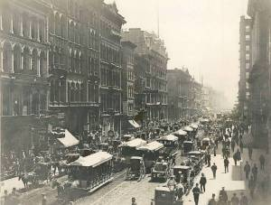 photo-chicago-clark-street-south-of-randolph-horse-drawn-streetcars-1888