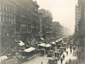 photo-chicago-clark-street-south-of-randolph-horse-drawn-streetcars-1888
