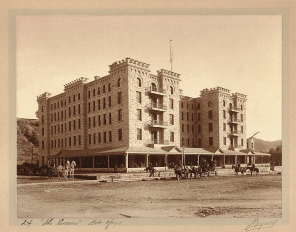 015-Evans-Hotel-early-days-lg